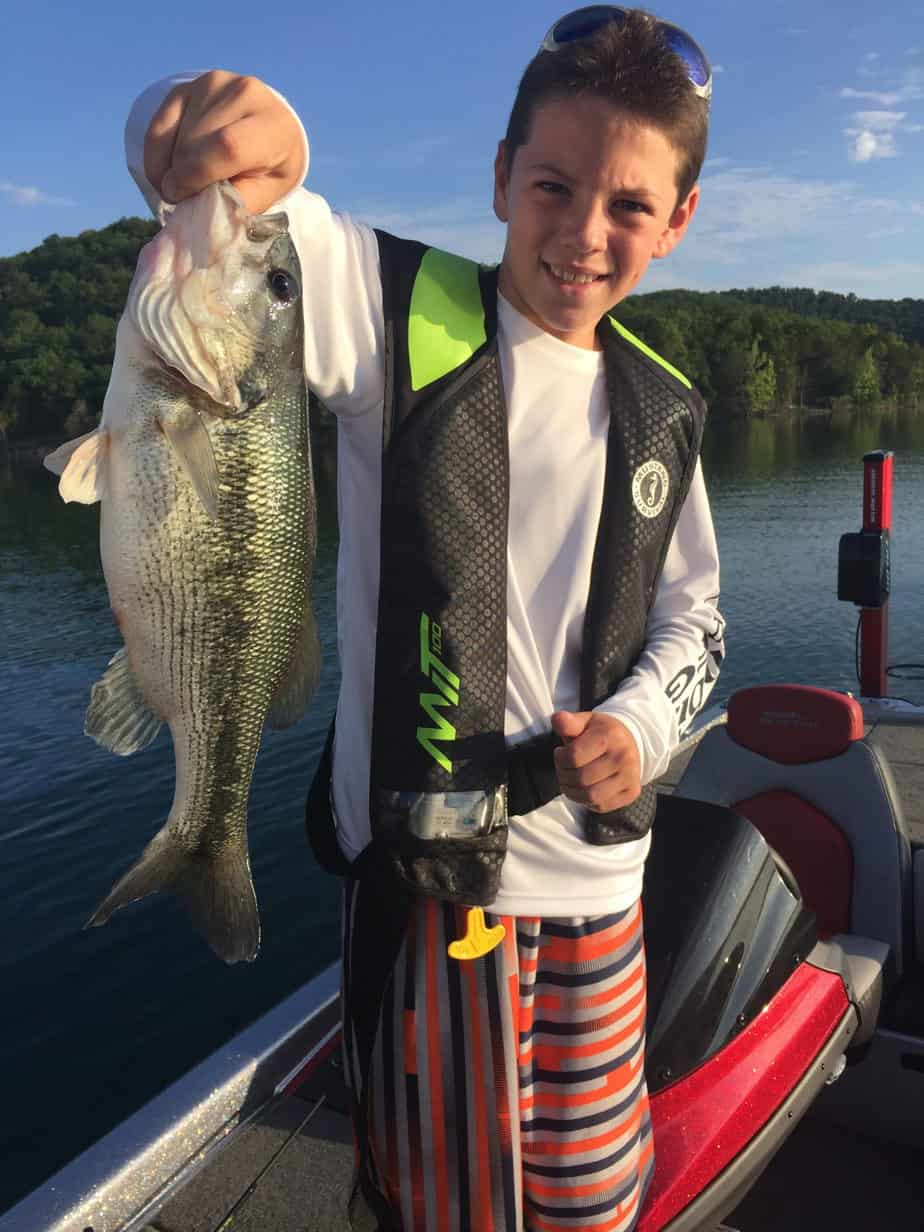 Branson lakes table rock lake lake taneycomo branson for Table rock lake crappie fishing